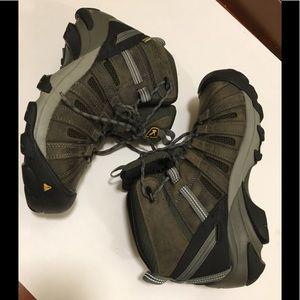 KEEN Targhee II Mid Waterproof Hiking Boot - Men's